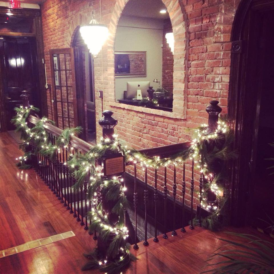 freed marcroft hartford divorce law office decorated for christmas